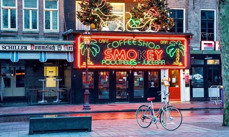 Stop z Ziołem Dla Turystów – w Amsterdamie Niedługo Zostanie Tylko 68 Coffeeshopów?, GrowEnter
