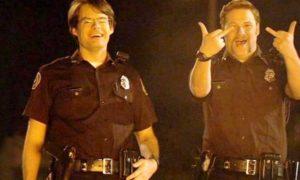 Policjanci na haju po skonfiskowanej marihuanie, GrowEnter